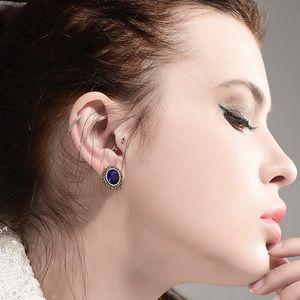 Jewelry - Vintage Look Gold/Blue Crystal Stud Earrings